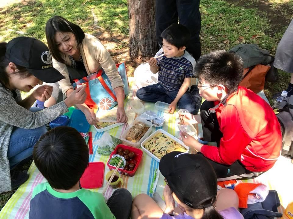 公園でピクニックパーティー