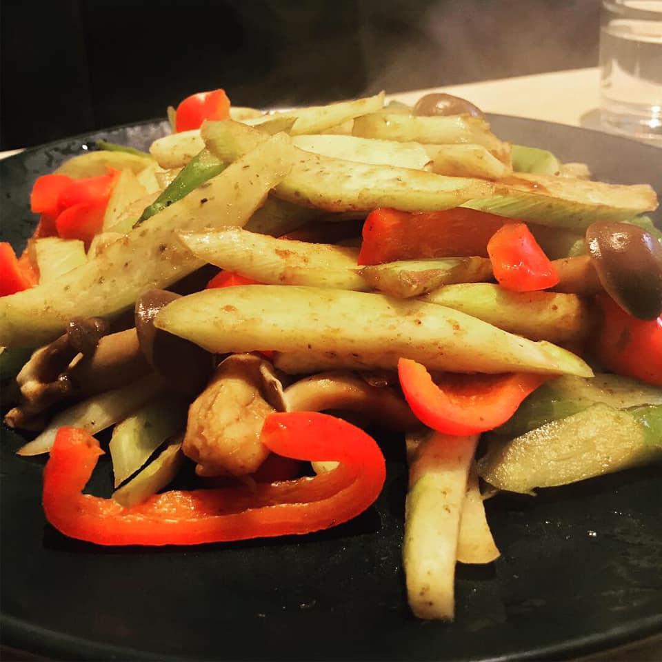 マコモダケと野菜の蒸し焼き