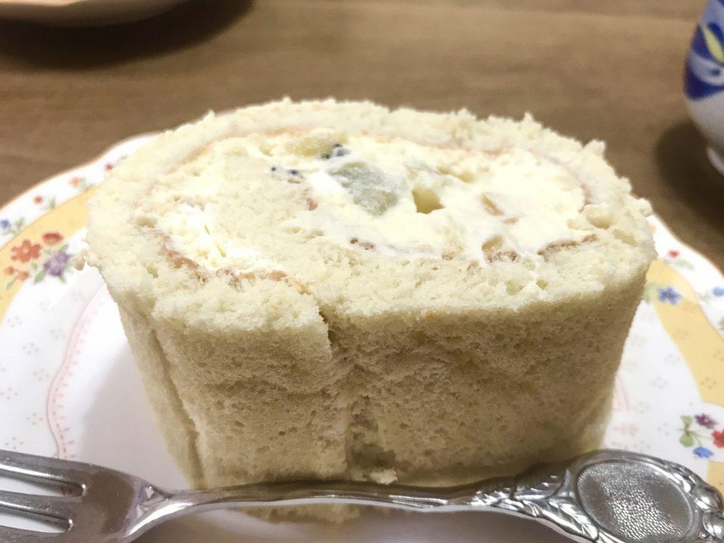 さっちゃん手作りの米粉ロールケーキ
