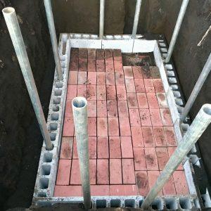 貯水槽の底が完成しました